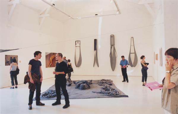 juste au corps la cri e centre d 39 art contemporain. Black Bedroom Furniture Sets. Home Design Ideas