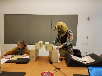 Yann dans les Archives Antin